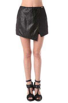 Q2 Asymmetric Skorts With Leather Look Insert