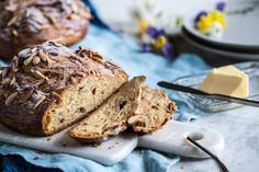 Velikonoční mazanec Eat Me Drink Me, Kitchenette, Easter Recipes, Food Inspiration, Banana Bread, Baking, Cakes, Cake Makers, Bakken