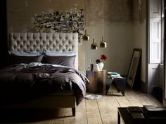 30 Dramatic Bedroom Ideas If you need some great ideas for your bedroom interior design, it s time to search out for lovely ideas that suits your taste and style. Home Bedroom, Diy Bedroom Decor, Diy Home Decor, Home Decoration, Decoration Design, Bedroom Ideas, Bedroom Inspiration, Arty Bedroom, Bedroom Wall