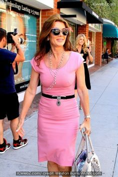 Lisa Vanderpump with her daughter Pandora Vanderpump-Sabo in the background. Lisa Vanderpump, Vanderpump Rules, Star Party, Beauty Advice, Celebs, Celebrities, Latest Pics, Hottest Photos, Real Housewives