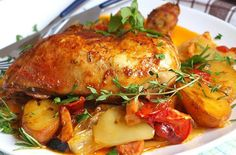 Marinated chicken with roast vegetables (all in one) Simple recipes Vegetarian Recipes, Cooking Recipes, Healthy Recipes, Simple Recipes, Marinated Chicken, Paleo Dinner, Roasted Vegetables, Convenience Food, Eating Habits