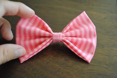 Notes From Nessa : Fabric Bow Tutorial. The smaller template makes the right size bows for my short hair.