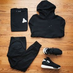 Black minimalist men outfit teen boy outfit black