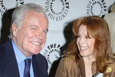 "Stephanie Powers Photos - Former ""Hart to Hart"" double act Stephanie Powers and Robert Wagner sign copies of their autobiographies at the Paley Center. - Stephanie Power and Robert Wagner at the Paley Center Hart Pictures, Stephanie Powers, Power Photos, Australia Funny, Paley Center, Jeremy Brett, My Fair Lady, Perfect Couple, Couple"