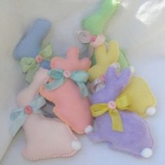 Felt Easter Bunnies- these would be perfect gifts for the babies at the pregnancy center!