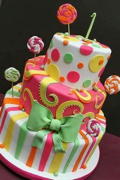 Candyland Cake, so cute! Pretty Cakes, Cute Cakes, Beautiful Cakes, Amazing Cakes, Fondant Cakes, Cupcake Cakes, Lollipop Cake, Lollipop Party, Mini Cakes