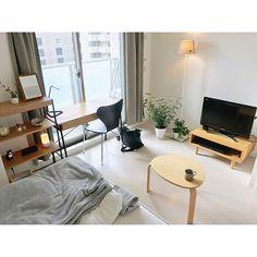 Overview,1K,ワンルーム,シンプル,一人暮らし,ひとり暮らし,北欧,ミニマリスト,すっきり暮らしたい,無印良品,観葉植物,ムジラー,ワンルーム 6畳,ナチュラル,unico,カフェ風,IKEA,テレビ台 Mahoの部屋 Bedroom Setup, Small Room Bedroom, Home Bedroom, Bedroom Decor, Small Room Interior, Apartment Interior, Interior Design Living Room, Small Room Layouts, Apartment Makeover