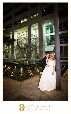 Hilton Tampa Downtown, 11.7.15, Wedding Day, Bride and Groom, City Venue, Wedding Poses, Trendy Wedding Background, Limelight Photography, www.stepintothelimelight.com