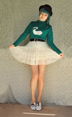 The Pineneedle Collective: DIY Swan Sweater Tutorial