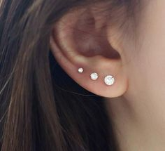 Sterling Silver X Conch Ear Cuff, Twisted Wire, No Piercing, Simple Wire Earcuff Cross X Design Ear Cuff Fake Cartilage Earring - Custom Jewelry Ideas Tragus Piercings, Percing Tragus, Innenohr Piercing, Triple Ear Piercing, Ear Piercings Chart, Smiley Piercing, Cute Ear Piercings, Peircings, Three Ear Piercings