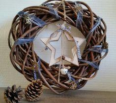 (Deur)krans met houten ster (te koop via House with love op Facebook)