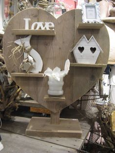 Leuk steigerhout hart om te decoreren Rustic Art, Rustic Wood, Barn Wood, Scaffolding Wood, Wood Projects, Projects To Try, Wood Crafts, Diy Crafts, Candy Display