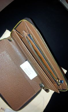 LV Sarah wallet.inner design.$128+FREE shipping +on-line payment