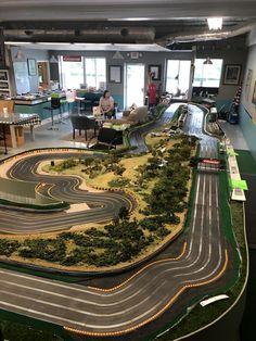 Slot Car Race Track, Ho Slot Cars, Slot Car Racing, Slot Car Tracks, Carrera Slot Cars, Cars Usa, Car Images, Go Kart, Courses