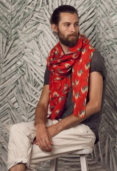this beard is amazingly attractive. but yeah, I'd wear this scarf, too Stylish Men, Men Casual, Fashion Models, Mens Fashion, How To Wear Scarves, Men's Scarves, Spring Summer, Gentleman Style, Editorial Fashion