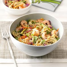 Shrimp 'n' Noodle Bowls Recipe Best Shrimp Recipes, Fish Recipes, Seafood Recipes, Asian Recipes, Cooking Recipes, Ethnic Recipes, Recipies, Oriental Recipes, How To Cook Shrimp