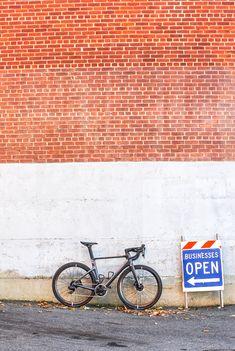 PARLEE Cycles | RZ7 LE Clean Sheets, Carbon Road Bike, Bottom Bracket, Brake Calipers, Custom Paint, Carbon Fiber, Custom Framing