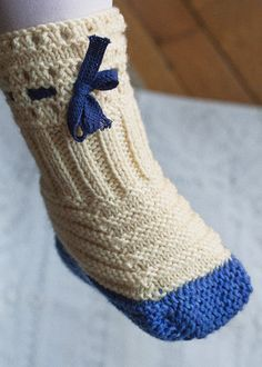 Stitches in Time by Franklin Habit. Marvelous, droll article on a Victorian-era sock pattern, complete with instructions at knitty.