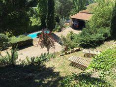 Vue dominante sur la Villa L'occitane depuis ses belles restanques. ☼ #villaloccitane #Poujols #vacances