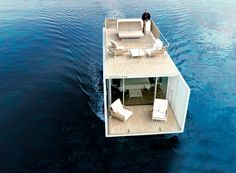 """Mano de Santo Architecture & Design have collaborated with KMZero Open Innovation Hub to design and promote """"Punta de Mar"""", a modern houseboat for two. Architecture Design, Cabinet D Architecture, Floating Architecture, Floating Hotel, Floating Restaurant, Floating Boat, Design Minimalista, Sustainable Tourism, Sustainable Design"""