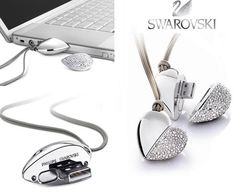 For the geek girl who has everything... Heart USB pendant. Not gonna lie, I want one.