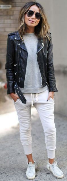 30 Chic Summer Outfit Ideas - Street Style Look.