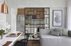 Quadro decorativo abstrato em preto e branco Vinyl Platten, Neon Licht, Divider, Sweet Home, Indoor, Furniture, Home Decor, Building Companies, Decorative Frames