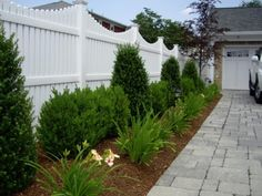 Vinyl Fence - Home and Garden Design Idea's