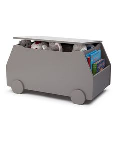 Find the best ideas for casegoods for a bedroom decoration. Find more high-end kids' furniture – www.circu.net.