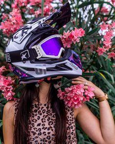 Dirt Bike Couple, Motocross Couple, Motocross Love, Enduro Motocross, Motocross Girls, Dirt Bike Girl, Honda Dirt Bike, Moto Bike, Biker Chick