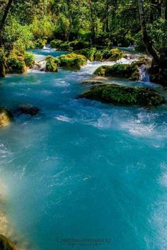 Rio azul en Jacaltenango #Guatemala Belleza única  #comparte lo impresionante de Guatemala.  #VisitGuatemala #Hostel #Travel