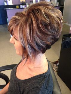 Spectacular Short Stacked Hairstyles Ideas For Women Looks More Beautiful Short Layered Haircuts, Short Bob Hairstyles, Hairstyles Haircuts, Short Hair With Layers, Short Hair Cuts For Women, Short Hair Trends, Short Hair Styles, Frosted Hair, Teased Hair