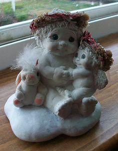 Dreamsicle Figurine Lots of Love 1995