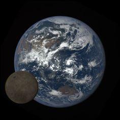 「月が地球に写り込む」年に2回しか撮影できない貴重な写真をNASAが公開