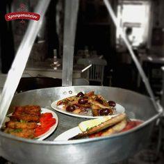 Λαχταριστά μεζεδάκια  για μεσημεριανό αλλά και  για οποιαδήποτε ώρα της ημέρας. Ελα στο Χρησιμοπωλειον και απόλαυσε μοναδικές γεύσεις μονο με 11€ Δες το μενου μας στο www.xrisimopolion.gr Greek, Meat, Food, Essen, Meals, Greece, Yemek, Eten
