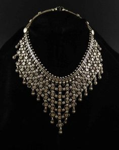 Gothic Jewelry Box Diy Silver necklace from Rajasthan, India Ethnic Jewelry, Indian Jewelry, Antique Jewelry, Silver Jewelry, Vintage Jewelry, Vintage Necklaces, Western Jewelry, Hippie Jewelry, Silver Earrings