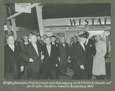 Besuch vom Wirtschafts-Minister und Gründer der sozialen Marktwirtschaft Prof.Dr. Ludwig Erhard auf dem Westaflex Messestand der Grossen Deutschen Industrie-Messe 1953 - später Hannover-Messe @westaflex