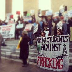 2012 Ohio Students rally against fracking