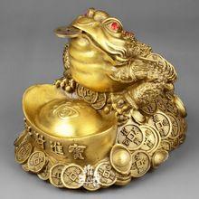 Money frog Frog Tattoos, Buddha Tattoos, Buddha Sculpture, Sculpture Art, Meaning Of Lucky, Buddha Statue Home, Japanese Legs, Feng Shui Symbols, Lucky Plant