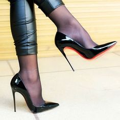 High heels and leather leggings . A hot combination ⁉️- High heels und Leder-Leggings… Eine heisse Kombination ⁉️ High heels and leather leggings … A hot combination ⁉️ - Hot Heels, Sexy Heels, Pumps Heels, High Heel Pumps, Red Stiletto Heels, Louboutin Pumps, High Heel Boots, Heeled Boots, Woman Shoes High Heels
