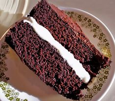 Triple Chocolate Fudge Cake with White Chocolate Mousse Filling for Chocolate Monday! - The Heritage Cook® White Chocolate Mousse, Chocolate Fudge Cake, Chocolate Icing, Chocolate Heaven, Homemade Chocolate, Vegetarian Cake, Thing 1, Round Cake Pans, Cupcake Cakes