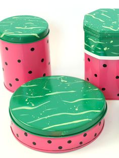 DIY Watermelon Canisters Watermelon Patch, Watermelon Crafts, Sweet Watermelon, Watermelon Ideas, Watermelon Wedding, Diy Arts And Crafts, Diy Crafts, Craft Tutorials, Diy Projects