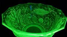 Gorgeous Art Deco Uranium Green Glass S Reich Fruit Bowl / Dish by VintageDecoUK on Etsy Glass Fruit Bowl, Vaseline Glass, Sea Theme, Punch Bowls, Flora, Bubbles, Art Deco, Shop Art, Dishes