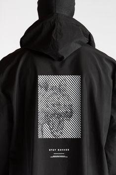 Oversize raincoat with wrist lace and back print Shirt Logo Design, Tee Shirt Designs, Tee Design, Mode Streetwear, Streetwear Fashion, Fashion Graphic, Fashion Design, Apparel Design, Athleisure