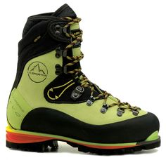 La Sportiva Nepal EVO GTX Women's.  Fits well, keeps me relatively warm and absolutely dry!
