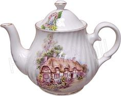 Cottage teapot made in England, a fine English bone china teapot for serving traditional English tea Tea Rose Garden, Roses Garden, Tea Pot Set, Tea Sets, English Teapots, China Teapot, Bone China Tea Cups, Vintage Dishes, Vintage Teapots