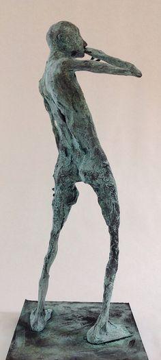 Pablo Hueso. Figura Ne299. 2015. Arcilla polimérica. Polvo de bronce patinado. 36 x 14 x 14 cm. http://www.pablohuesoart.com
