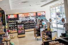 Barnes & Noble's New Store is a Dream Come True for Beauty-Loving…