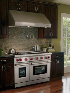 Beauty And Brawn   Dreamy Kitchen Appliances On HGTV Dual Fuel Allows For  Precise Gas Stovetop Cooking, While The Electric Heated Convection Ovens  Ensure ...