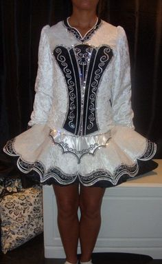 This is the dress I would die for. Yup, that's all :)